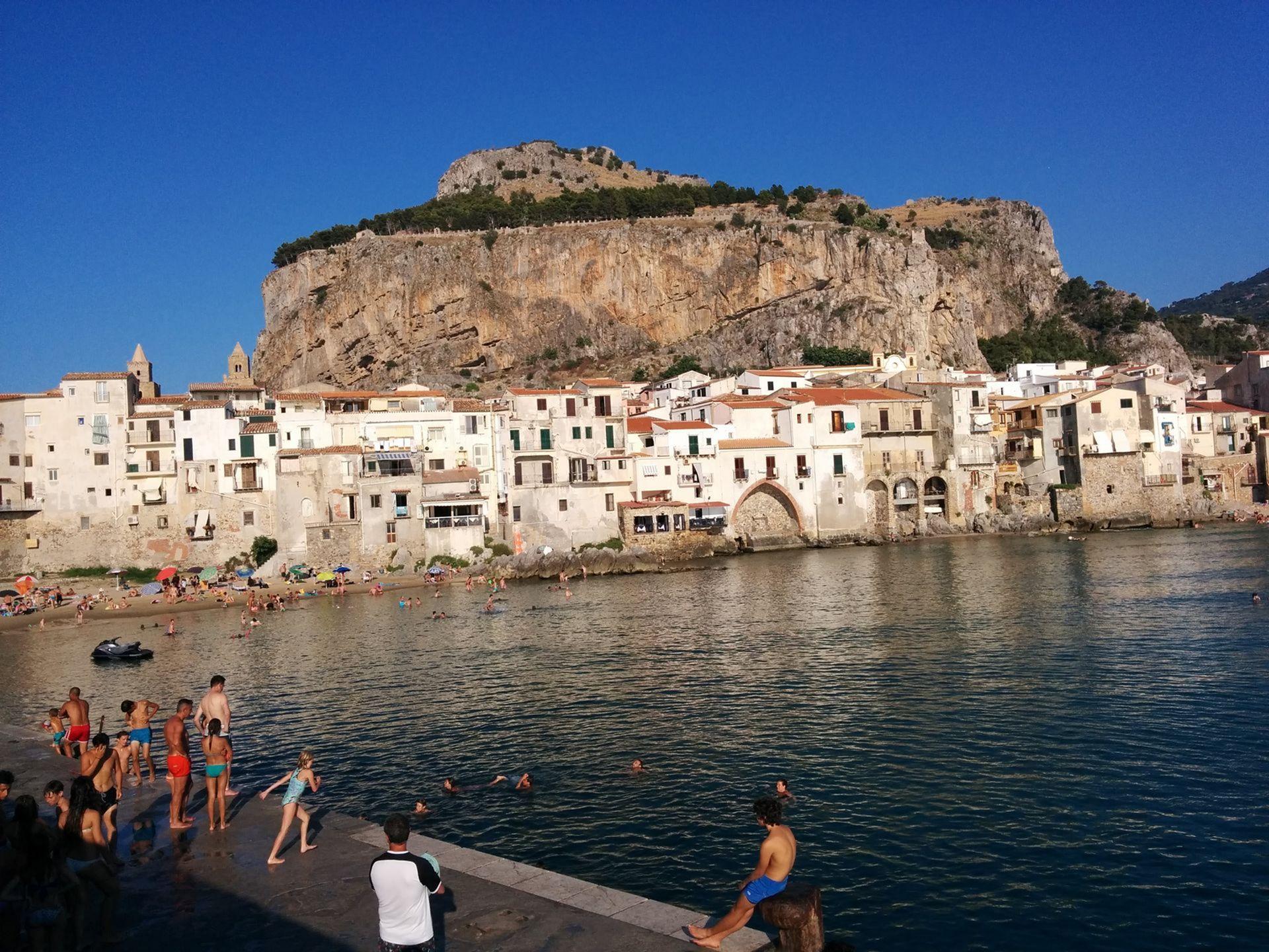 Milazzo, Sicilia, Italia   Cruiseget.com