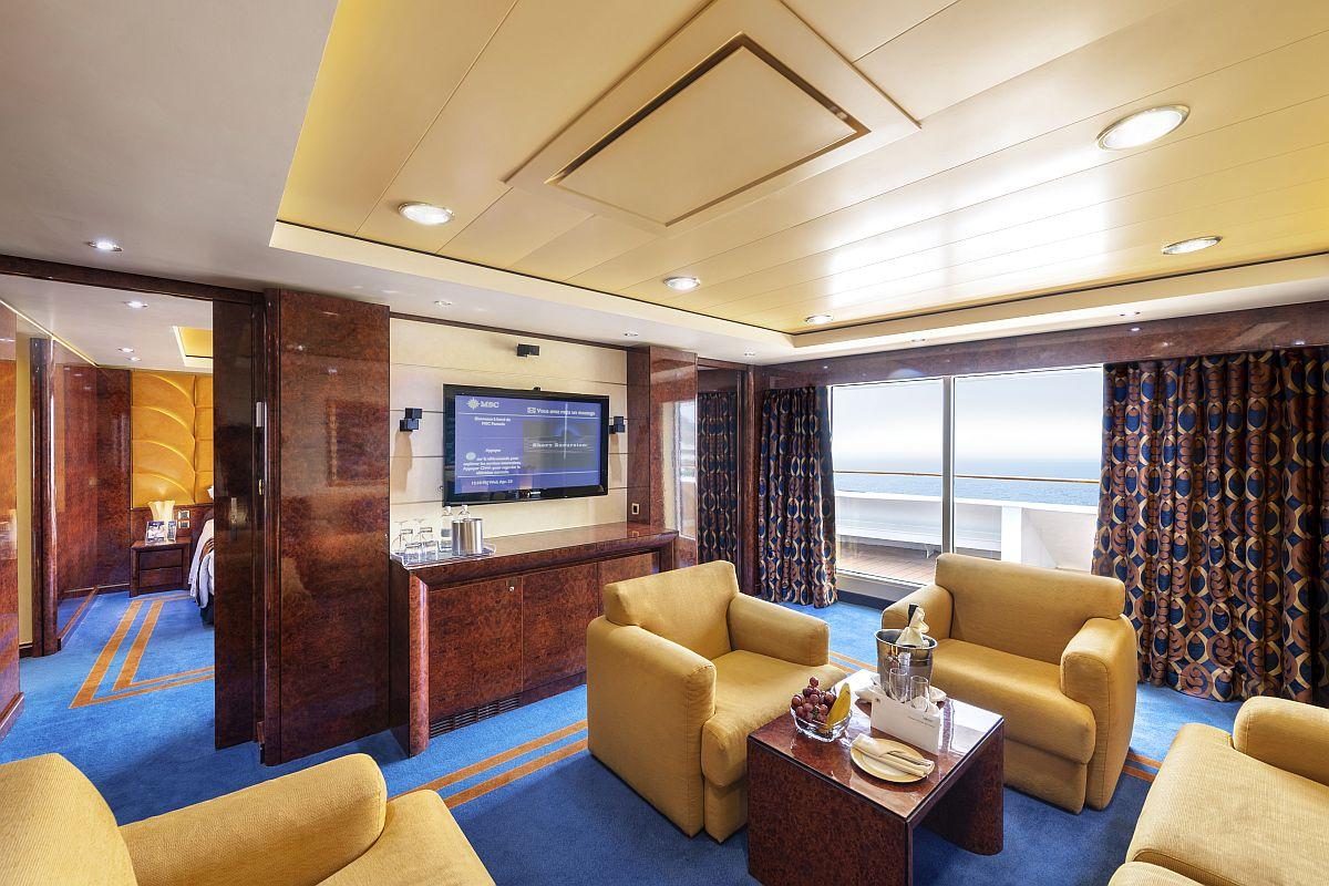 YC2 - Yacht Club Executive