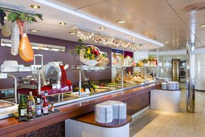 cruise buffet restauran