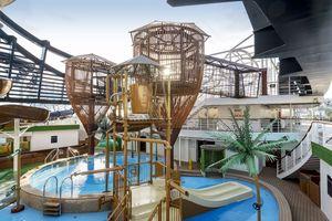 cruise pool deck