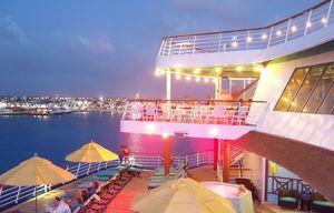 cruise aft pool deck